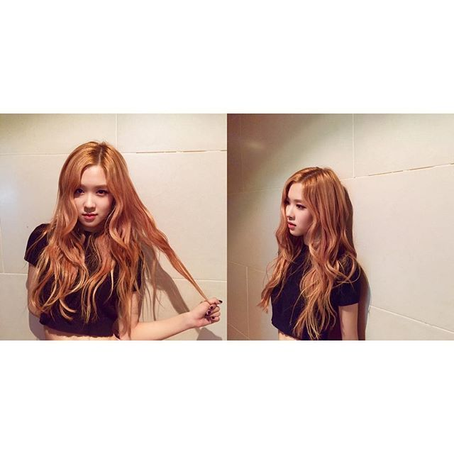 BLACKPINK  ROSÉ PLAYINGWITHFIRE STAY#라리사진작가 loveubaes 🌹 여러분!!하잉💋다들 뭐하세요? 요새 인스타 업뎃 많이 못해서 죄송해요 😢 더 자주하도록 노력할께용 ㅎㅎㅎ 오늘도 따듯하게 목도리도 매고 ㅋㅋ 장갑도 끼구 ㅋㅋ 감기걸리지않도록 늘 조심하세요👆🏼🤒😮😤사랑해요.🙈🙈🙈 Hey everyone 💋 I hope you're all having a fantastic day. Remember to stay warm today and make sure you have your scarf.. gloves... etc. to keep you warm haha And for those of you who live down under.. where the weather's probably getting pretty hot by now, make sure to stay hydrated throughout the day ☺️…