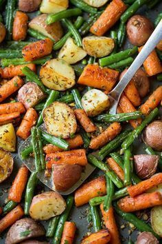 Garlic Herb Roasted Potatoes Carrots and Green Beans images