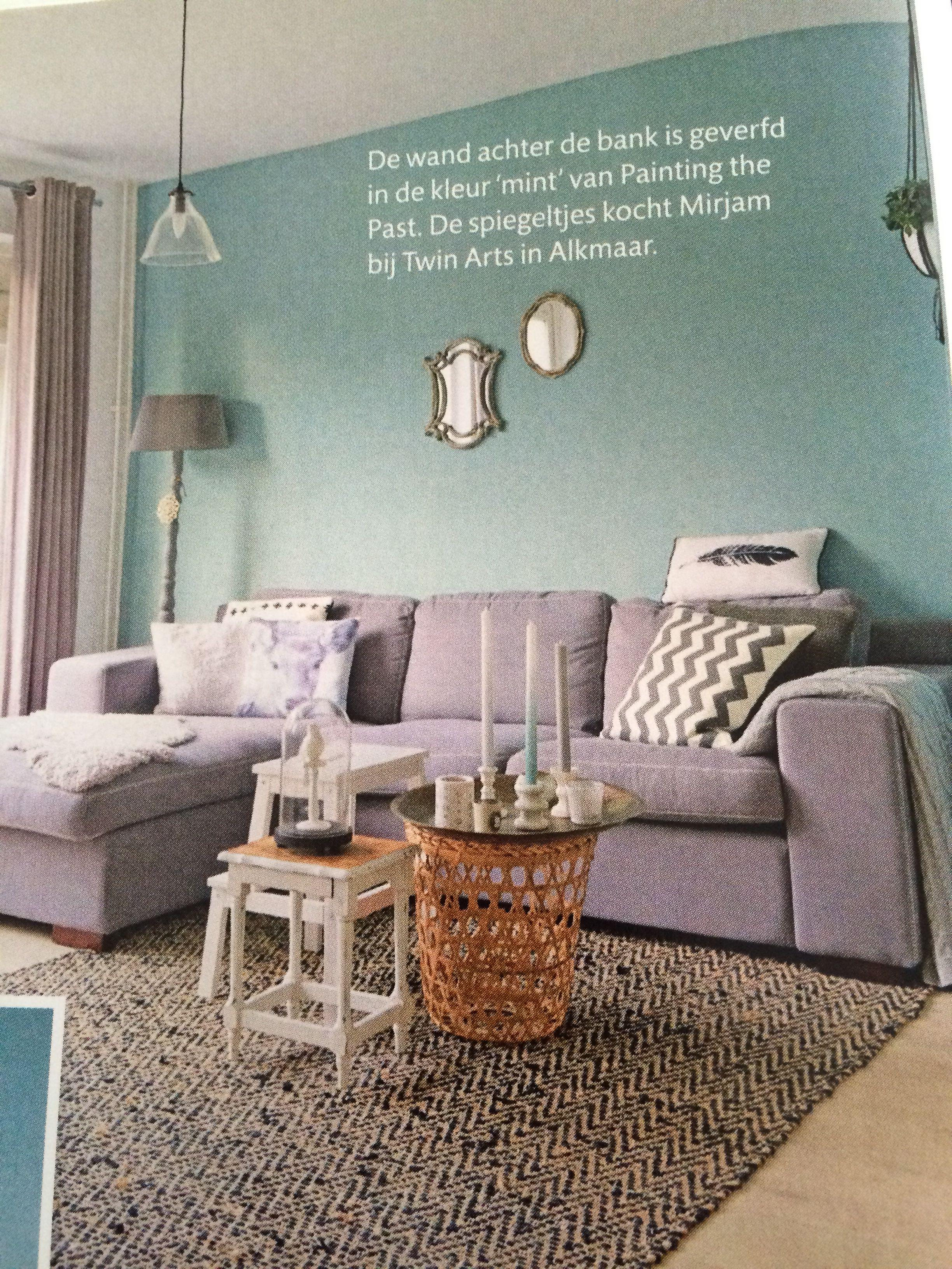 Groene muur, grijze bank en combi met taupe | Interieur | Pinterest