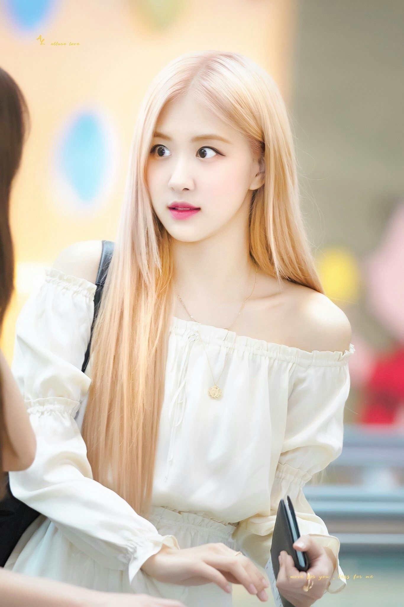 Pin by Jugu on Rose Blackpink Airport Style | Blackpink