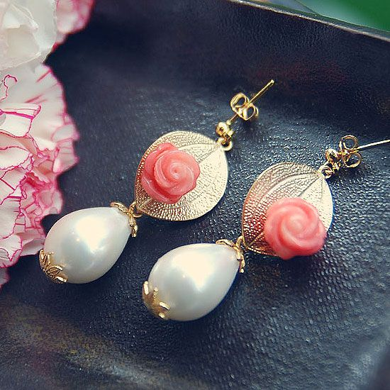 E68 Pink Rose & White Pearl Earring