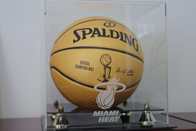 Tomorrow Miamiheat Vs Los Angeles Lakers It S Lit Miamiheat Vicenights Miami Basketball Lakers Bal Miami Heat American Airlines Arena Lakers