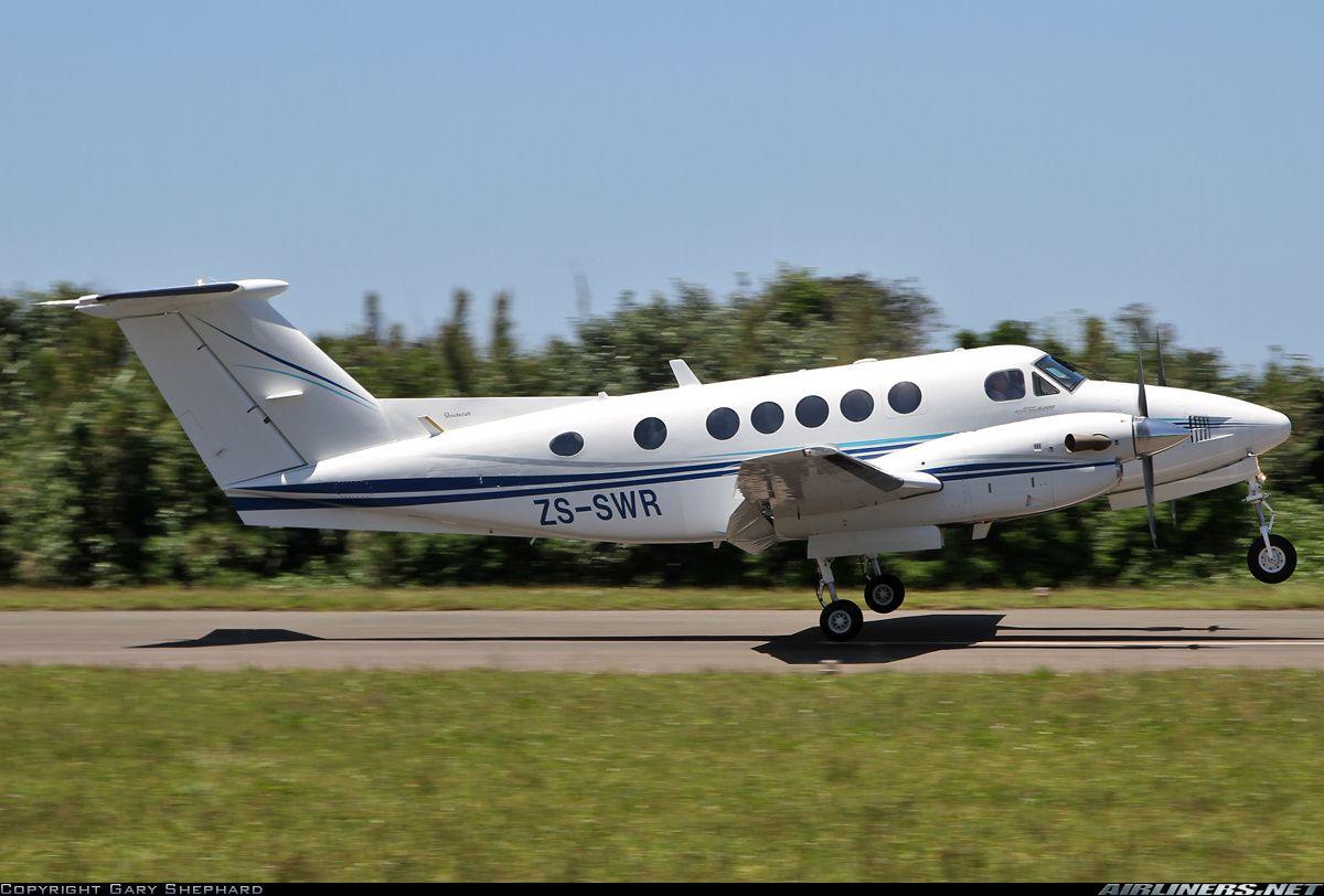 Beech B200 Super King Air aircraft picture (met