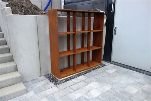 holzregal f r brennholz garten pinterest holzregal brennholz und cortenstahl. Black Bedroom Furniture Sets. Home Design Ideas