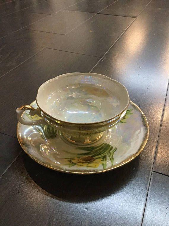 Royal Sealy China Daffodil Teacup. 6 saucer 2.5 Teacup