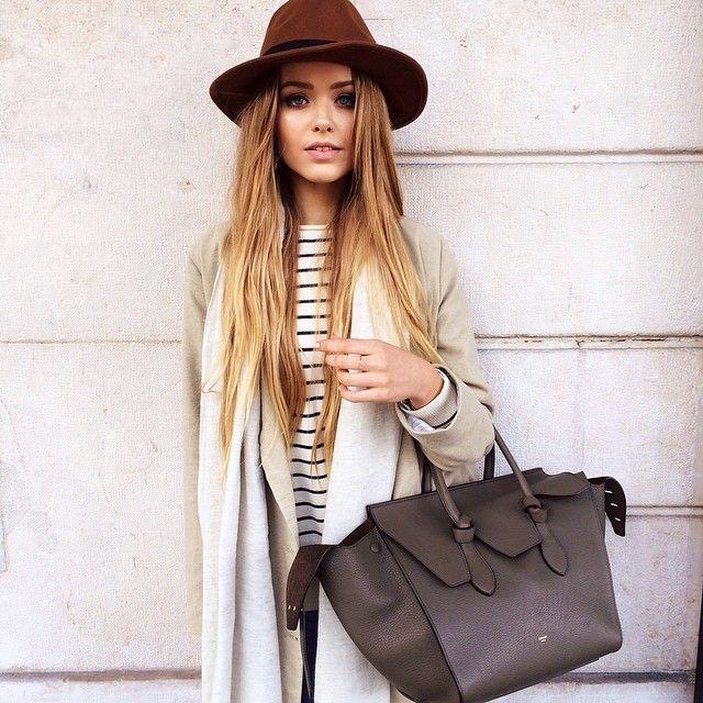 stripes + blazer + oversized tote