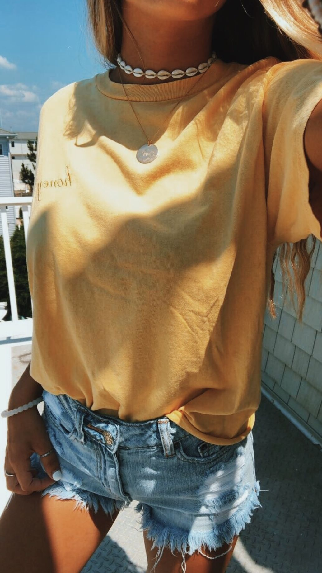 f50e59d0 Brandy Melville honey top. Cute outfit. Teen fashion. Summer aesthetic