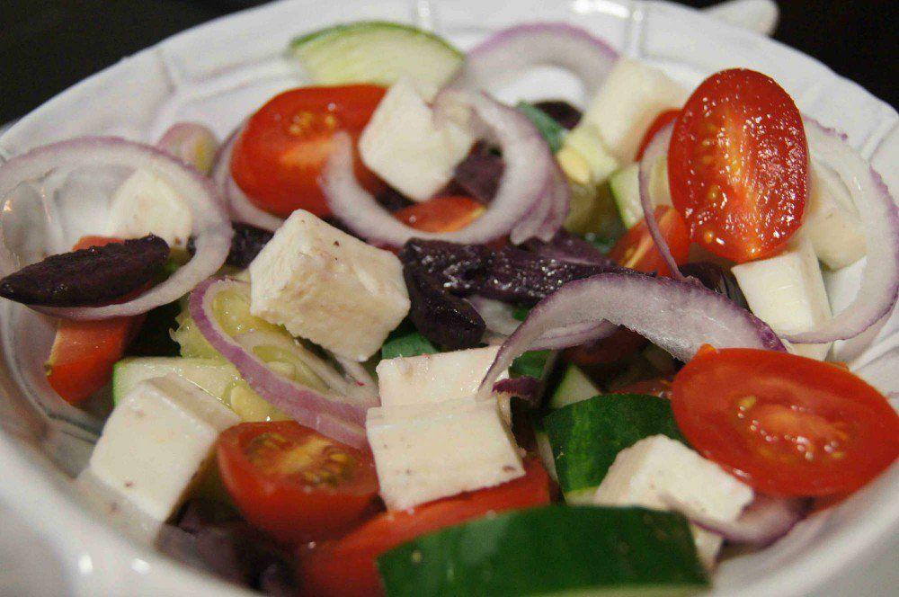 Salada grega   Receitas, Saladas e Ideias