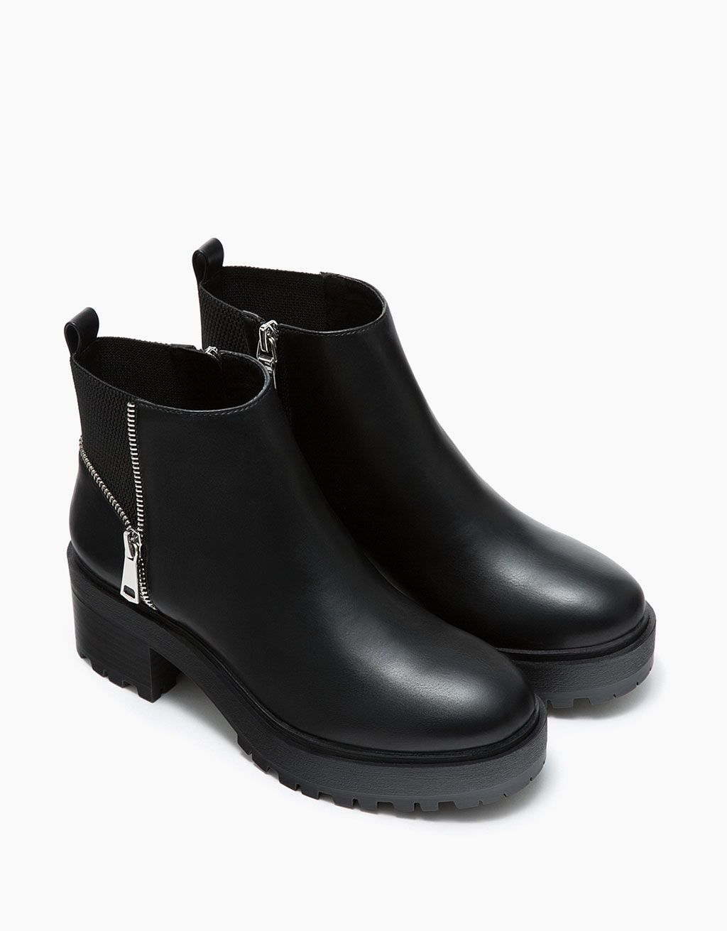 1117162e Botines de plataforma plana con cremallera y elástico - Zapatos - Bershka  Estados Unidos