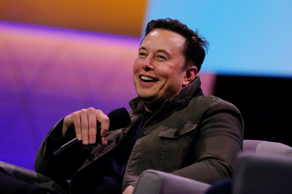 Elon Musk Hints At Major Developments In Battery Technology In 3 To 4 Years That Could Make Next Generation Electric Planes Possible Elon Musk Tesla Tesla Elon