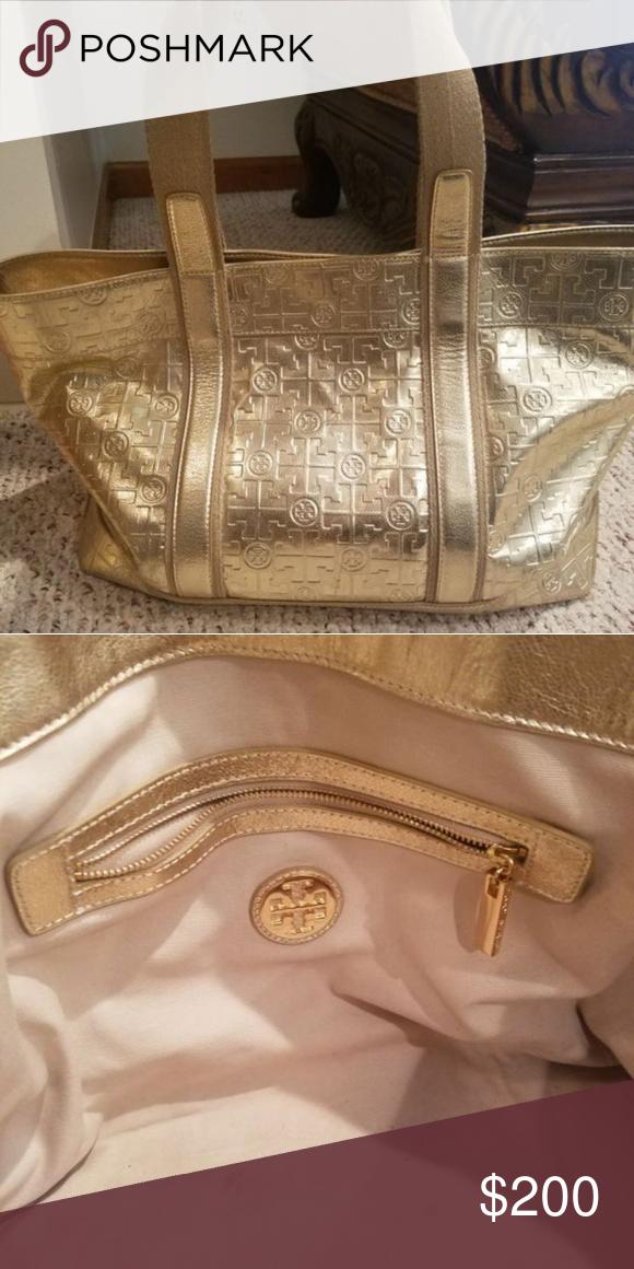 9abc5b7cf28 Auntheic gold Tory Burch tote beach bag Good condition Gold Tory Burch  beach tote