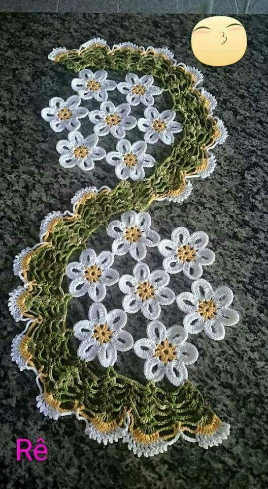 Camino de mesa con flores caminos de mesa pinterest - Centros de mesa de ganchillo ...