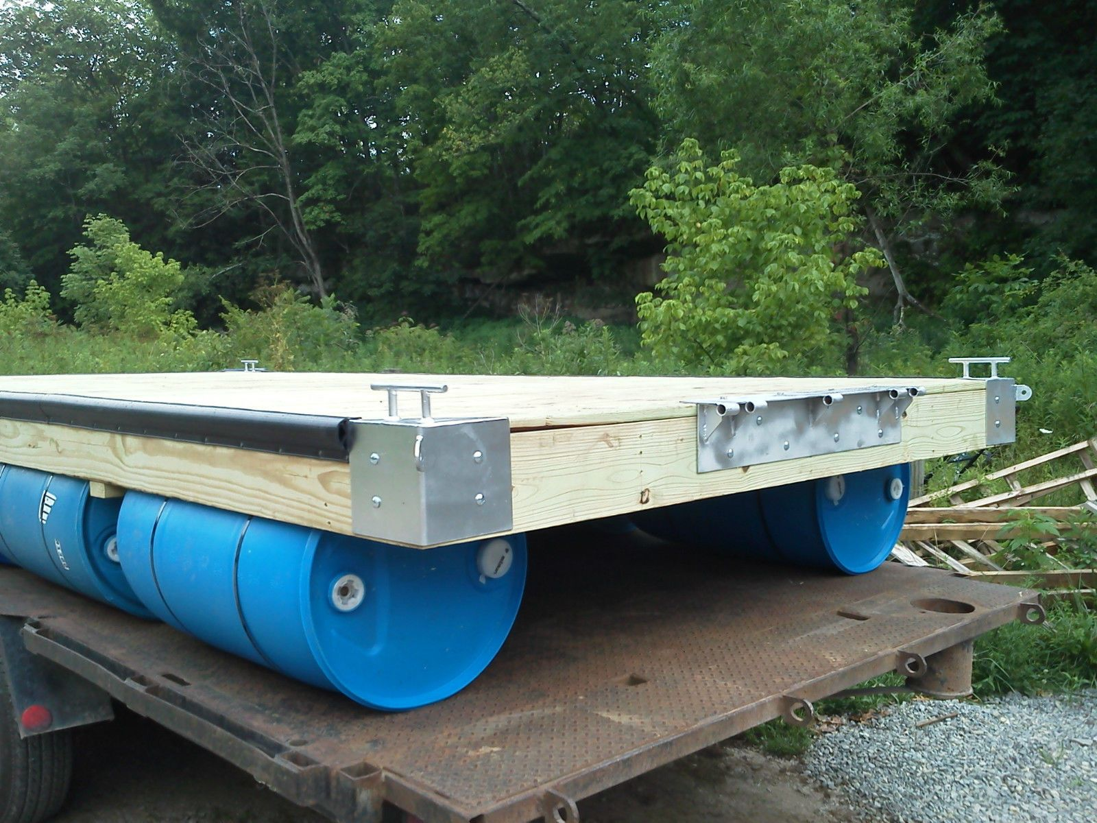 8' x 12' Floating Boat Dock With Blue Plastic 55 Gallon