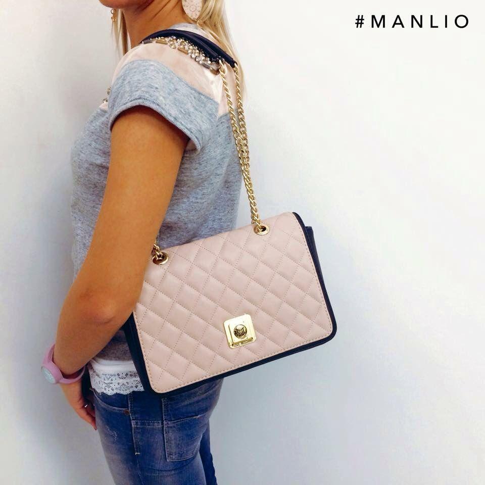 Borsa Moschino Cipria/Nero €175 Spedizione gratuita Info: WhatsApp 329.0010906 #manlioboutique #moschino #love #bags #pink #style #fashion