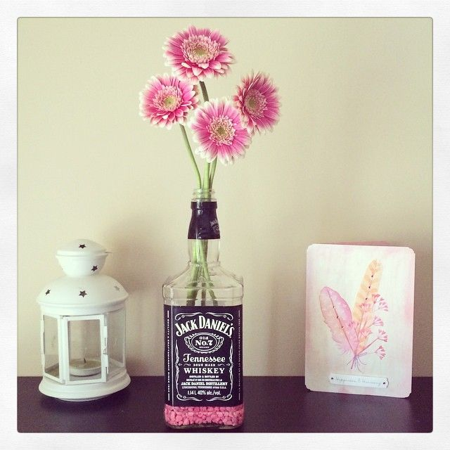 Jack Daniels Whiskey Bottle As Vase Decor Pinte