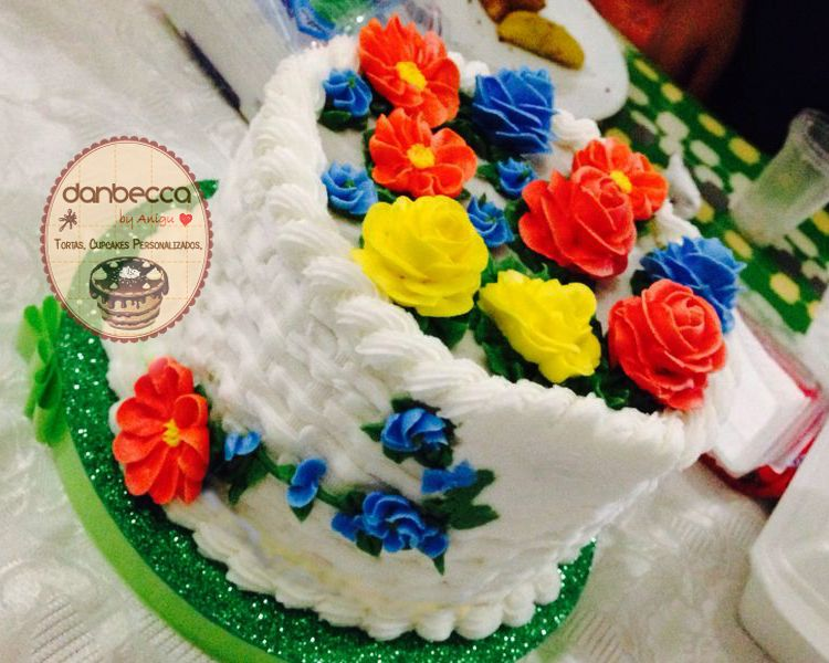 Basket cake torta canasta torta de cupcakes