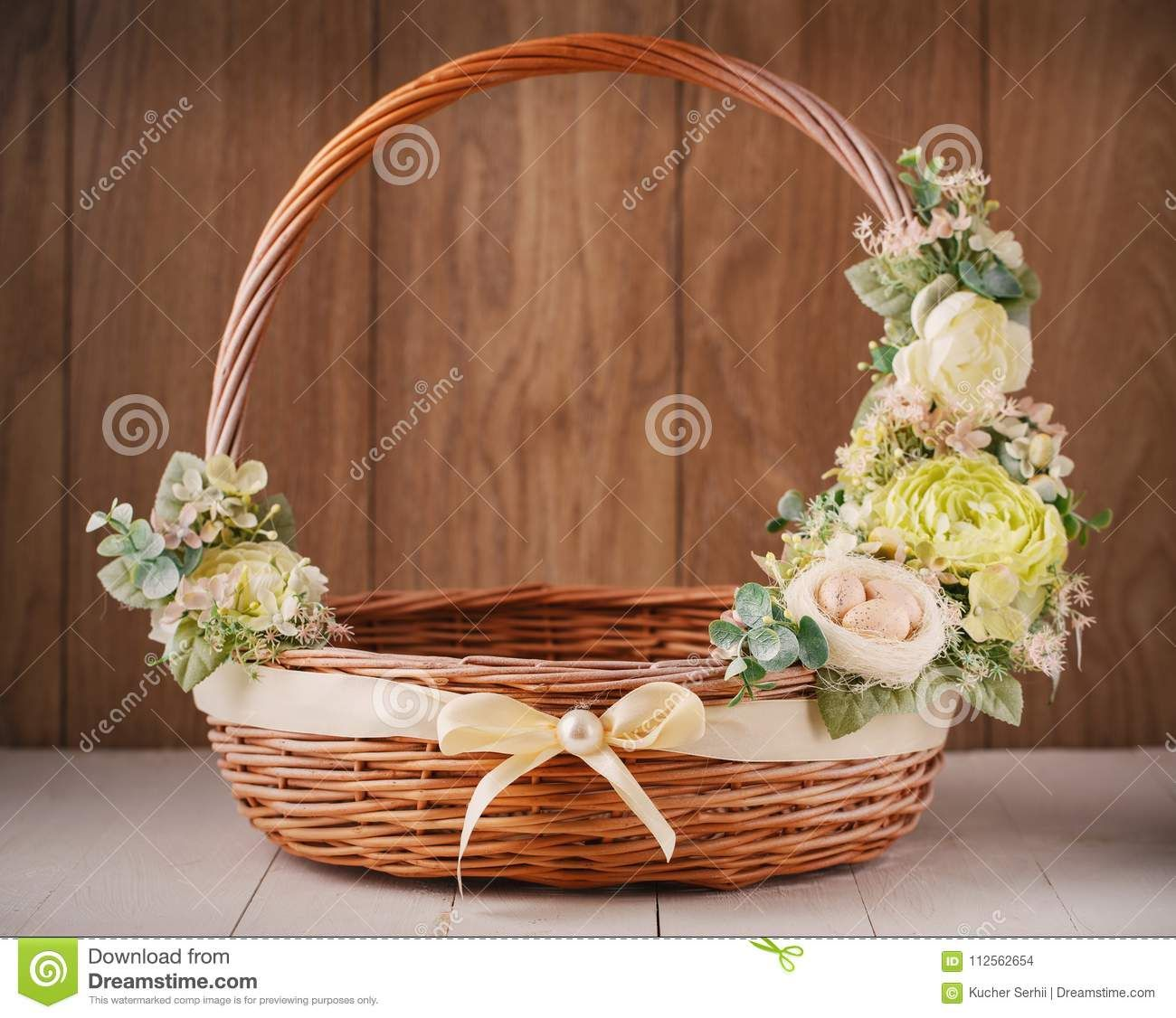 Pin By Maria Challe On Dia Del Pastor Easter Basket Diy Basket