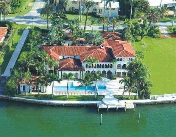 Aerial View Of Cher S Former Miami Home Miami Houses Celebrity Houses Miami Beach