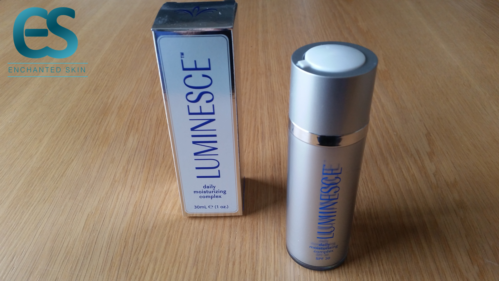 LUMINESCE™ daily moisturizing complex A brilliant, all-day facial cream with serious anti-wrinkle and anti-aging benefits. daily moisturizing complex contains apple, lentil, and watermelon extracts for intracellular hydration* plus extracts of red seaweed and green algae to maintain moisture and elasticity.   #Beauty #Bblogger #BeautyNews #Beautytrends #Naturalbeauty #Lookyounger #Beautifulskin #Dryskin #Makeuptips #Skincare