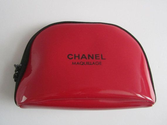 64c517bf335b2e CHANEL Maquillage Red Zipper Makeup Bag / Cosmetic Pouch | CHANEL ...