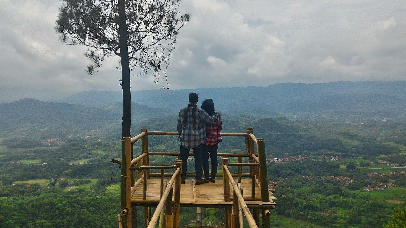 Bukit Panembongan Menawarkan Pemandangan Yang Indah Di Kuningan Jawa Barat Jawa Barat Pemandangan Di Pantai Pantai