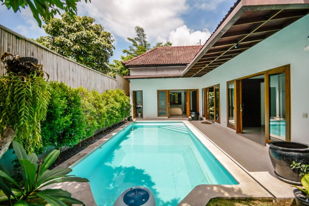 Luxury Bali Villas For Sale Are Targeted By Small Medium Or Large Scale Investors Bali House Tropical Houses Modern Tropical House