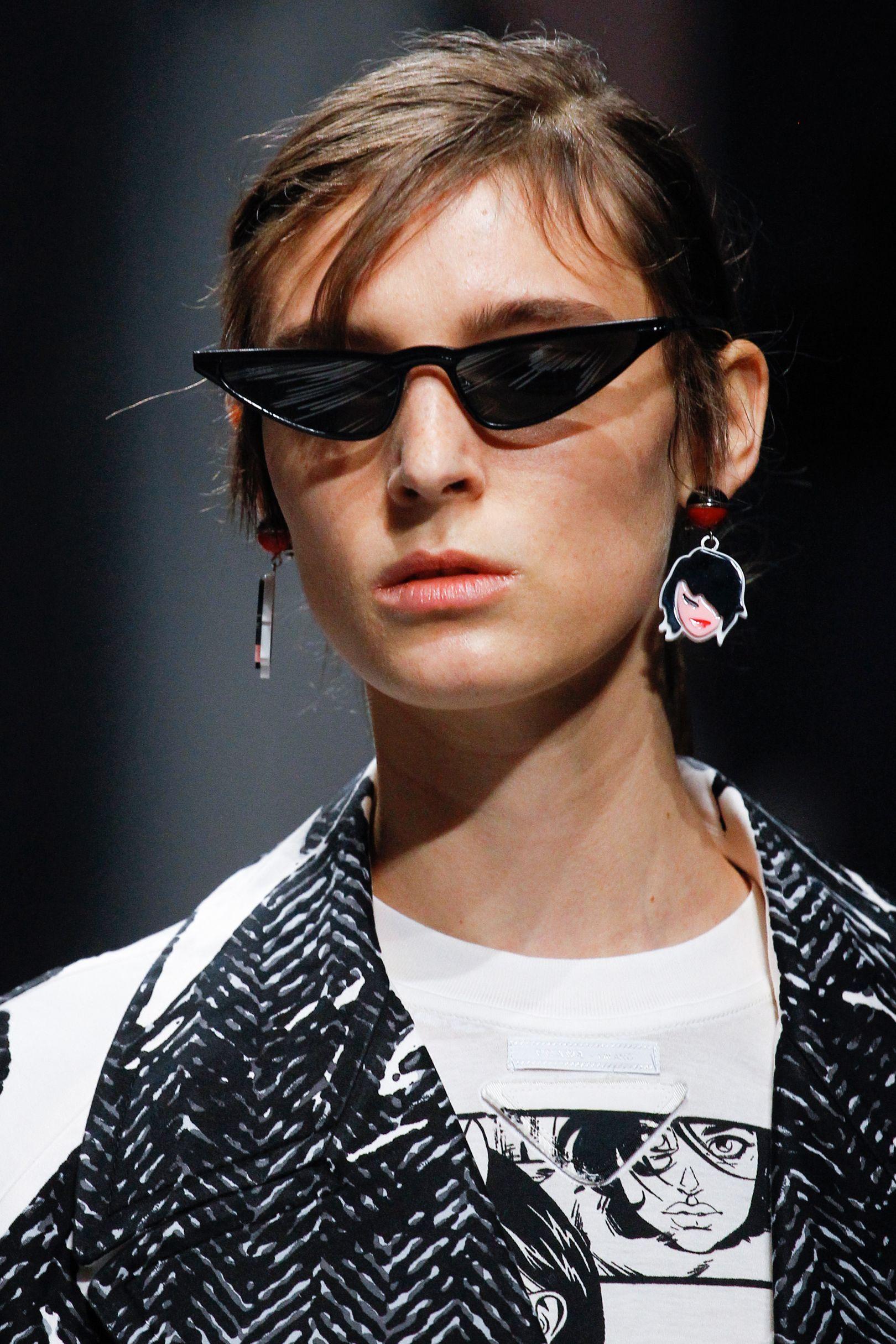 7e35557f404 Vogue s Ultimate Sunglasses Trend Guide Spring Summer 2018