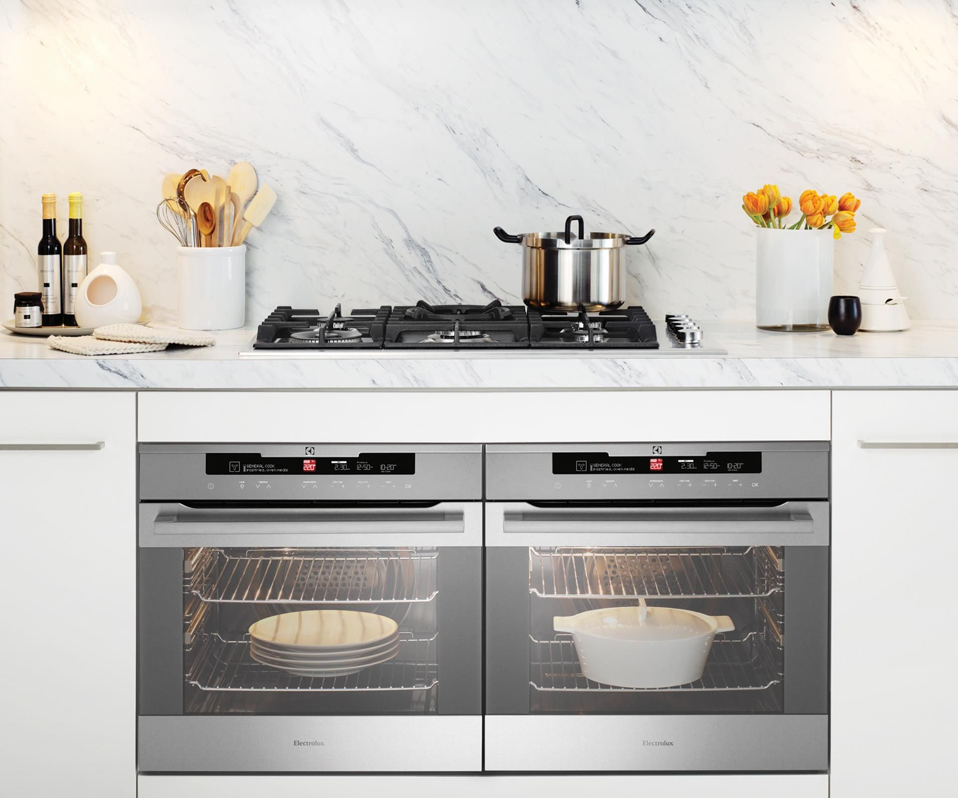 Side by side double oven gas stove - From Budget To Luxe And Freestanding Ovens With Built In Induction Cooktops To Compact