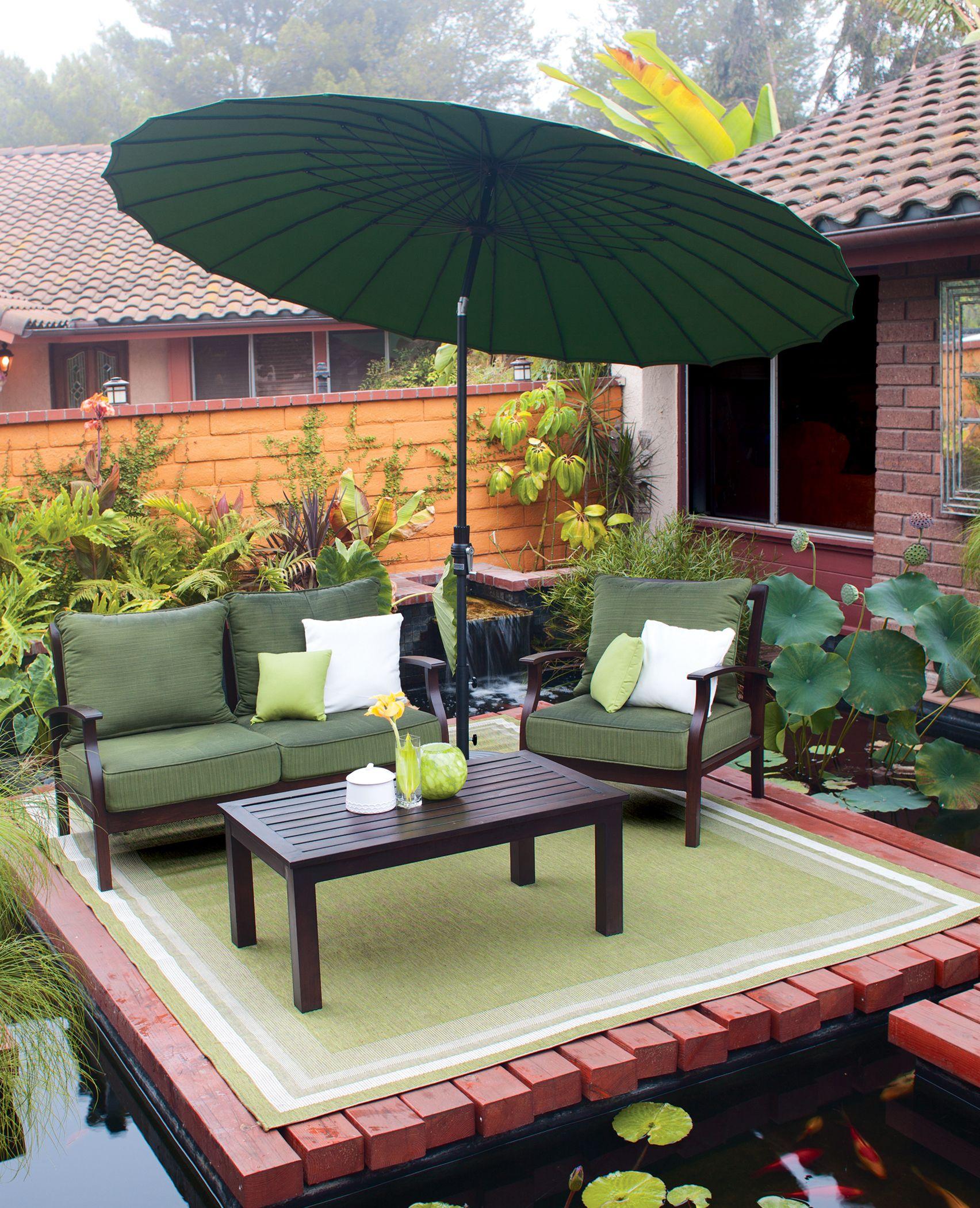 Good Treasure Garden 8u0027x10u0027 Garden Cottage   Lime Rug With A USA459 10u0027 Shanghai  Collar Tilt Umbrella