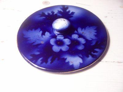 Flow Blue lid-Oak leaves and flowers