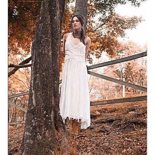 | Autuum with handwoven Entreaguas dress by @revistalikecol @dulcementa | #Entreaguas #Beachwear #Handmade #Swimwear •Link to #Shop in Bio•