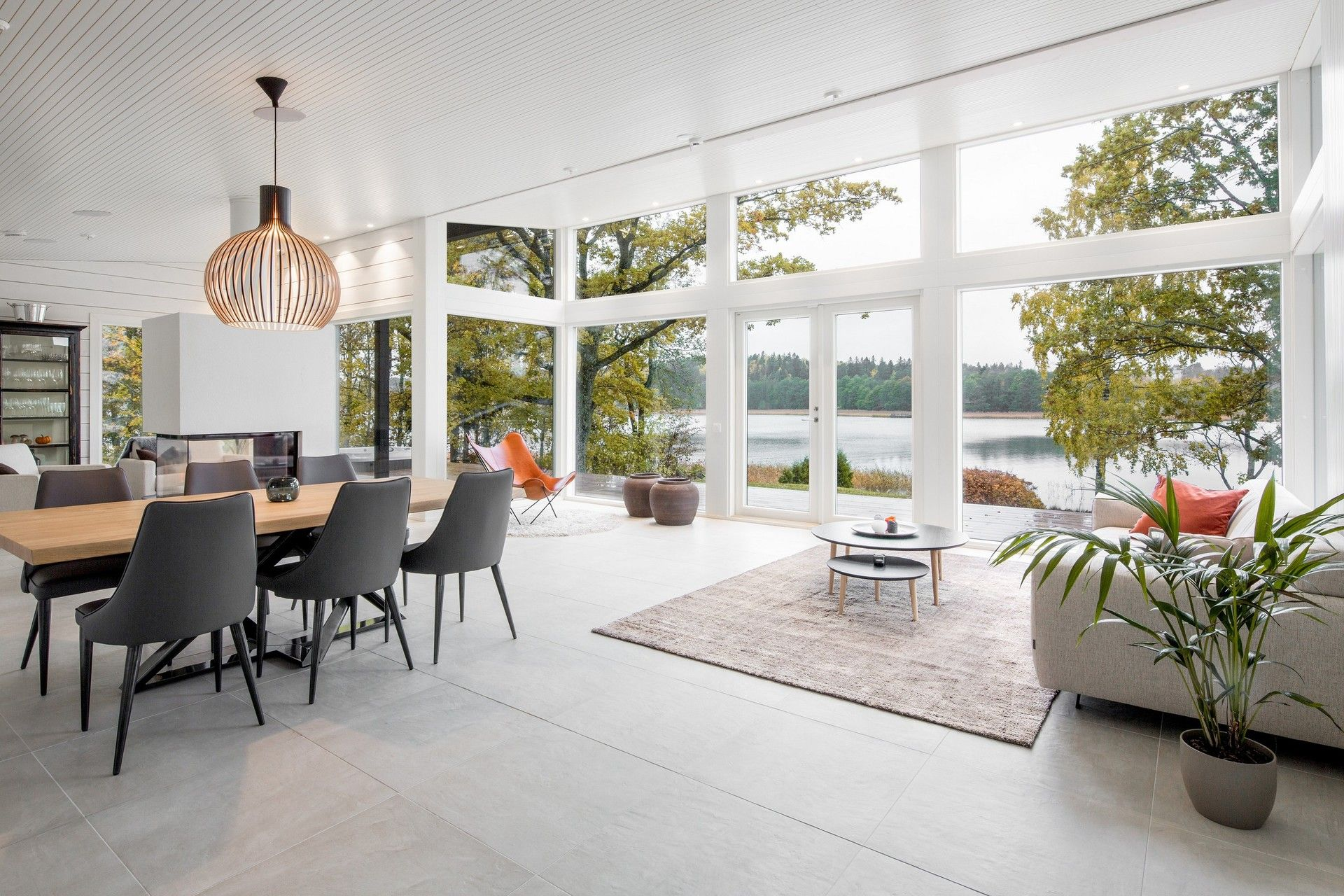 Modern finnish log house Pluspuu Oy
