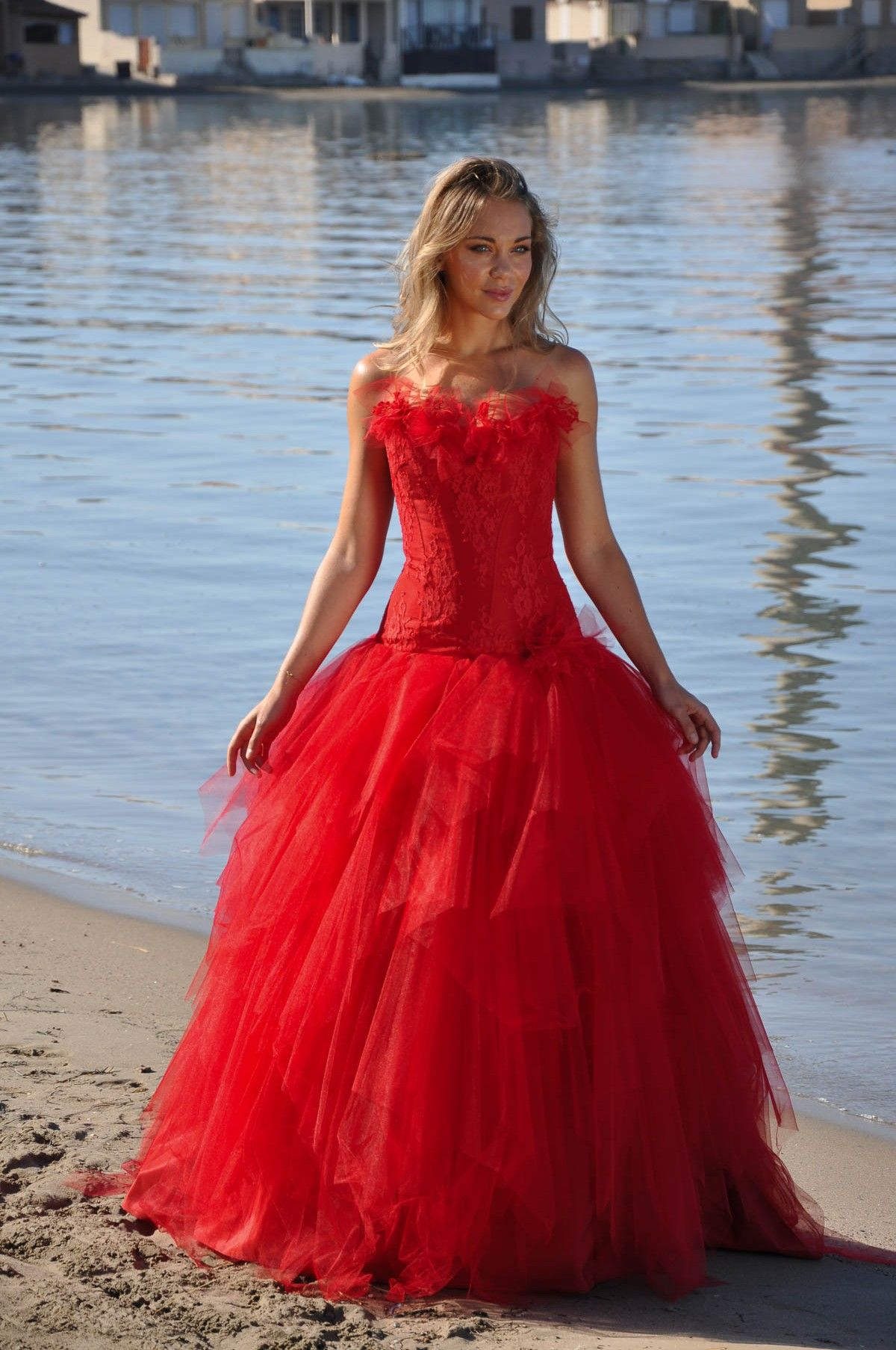 a246e8fa49c Robe de mariée rouge