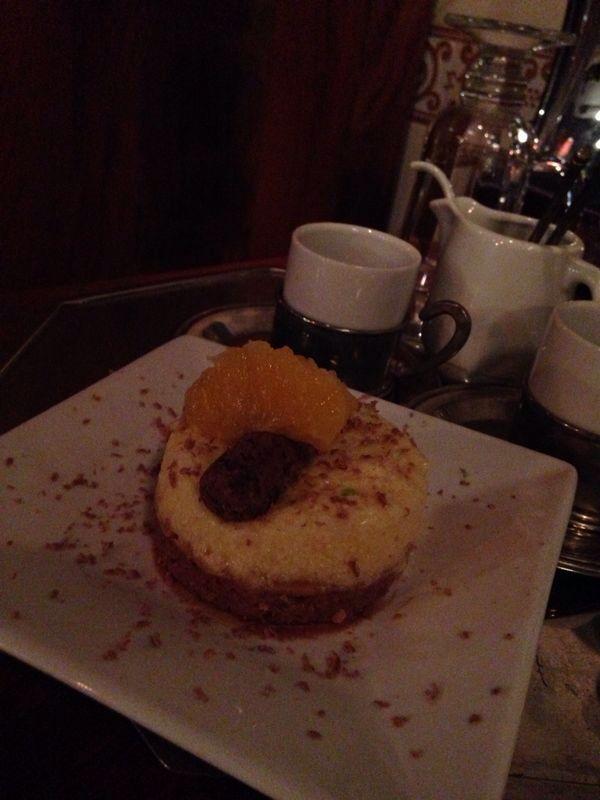 Mousse de brigadeiro com espuma de laranja