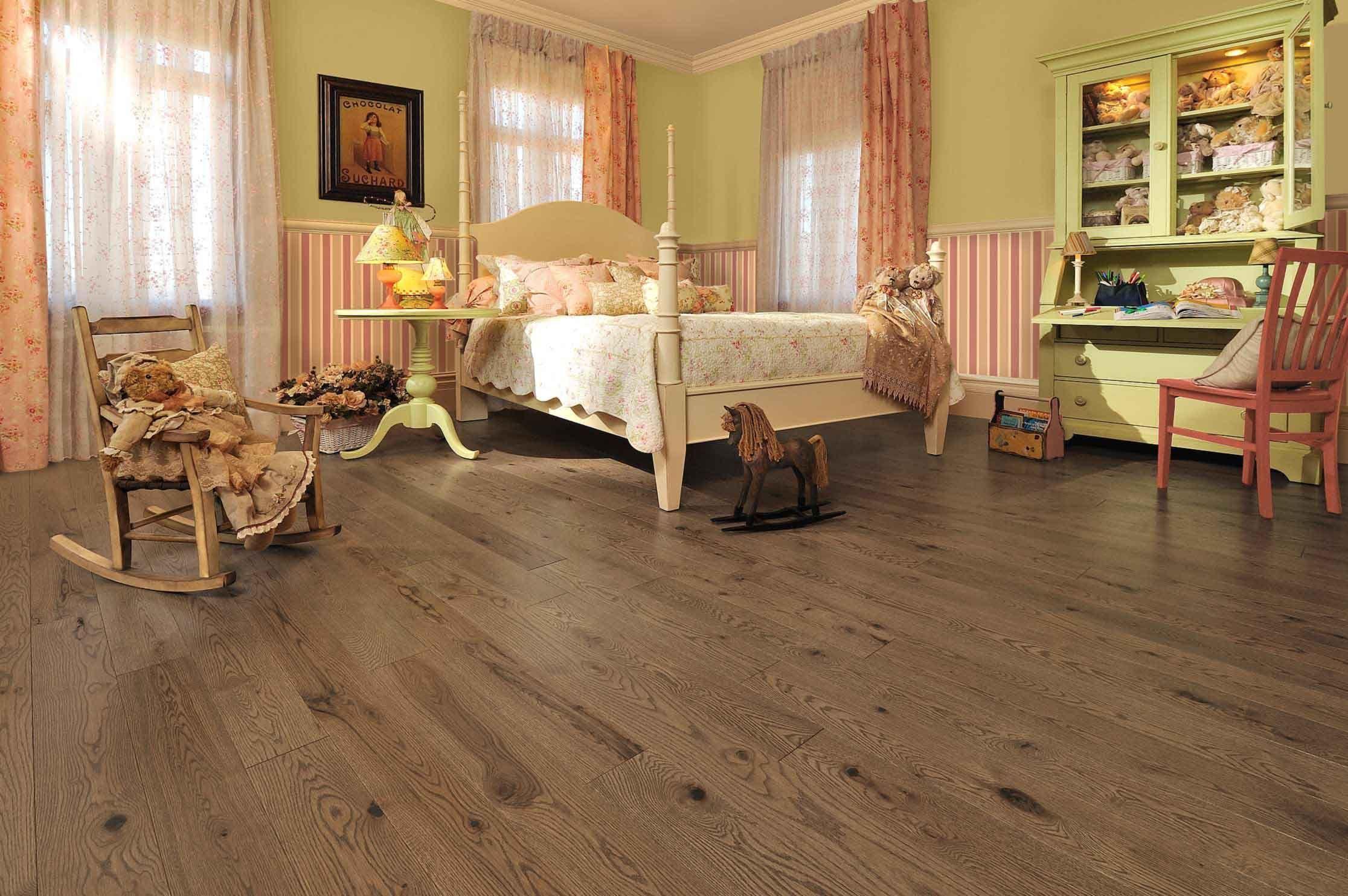 Red Oak Bedroom Furniture Handcrafted Red Oak Teddy Bear Mirage Hardwood Floors