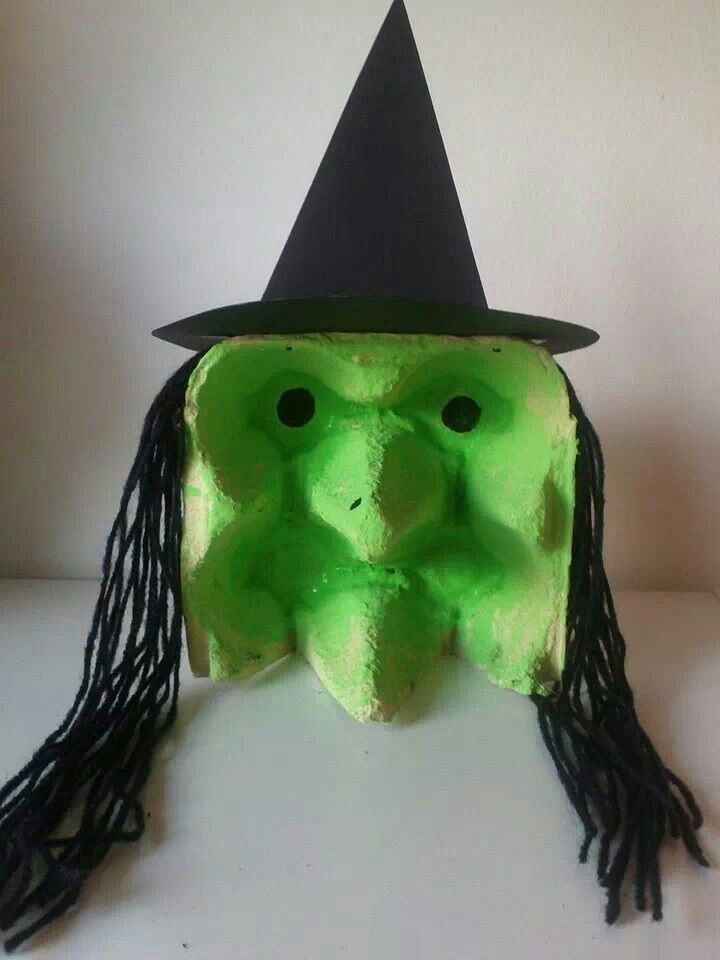Egg carton witch 720 960 halloween for Plastic egg carton crafts