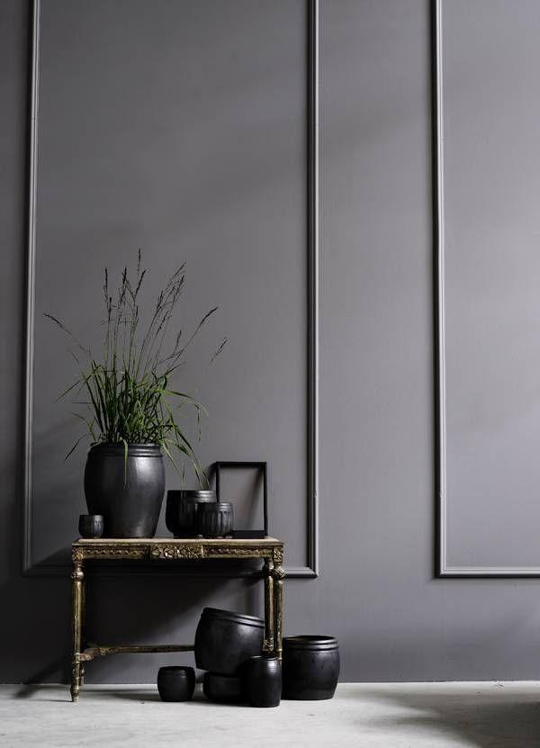 Best painted wall moulding ideas domino conservatory decorshop interior designfamous also mostly monochrome mouldings famous designers rh pinterest