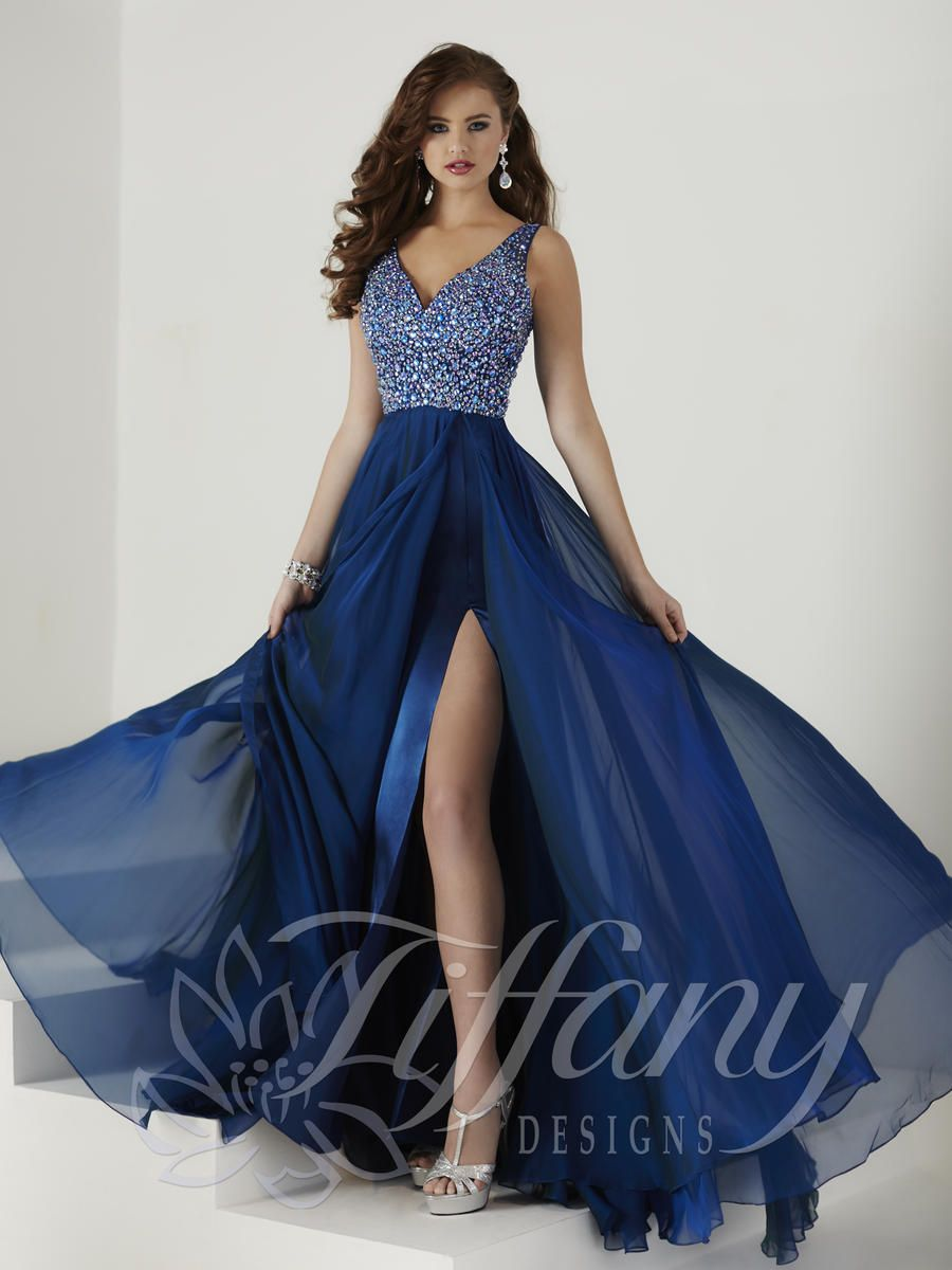 Pin By Akanne On Dresses Gowns Types Of Prom Dresses Formal Evening Dresses