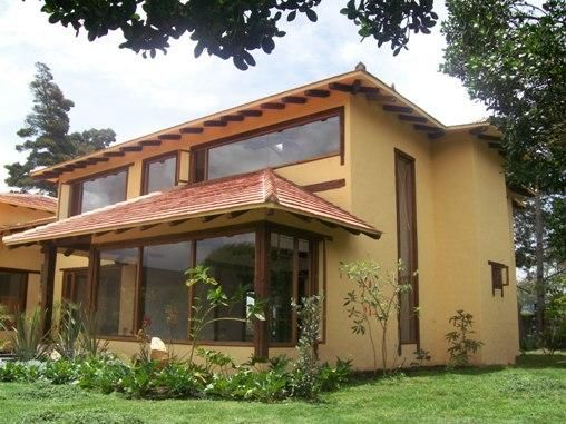 Fachadas on pinterest casa de campo braided necklace for Fachadas de casas campestres