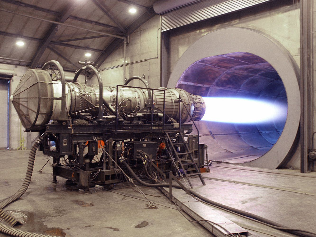 F 15 Pratt In Hush House On Test Stand Engines