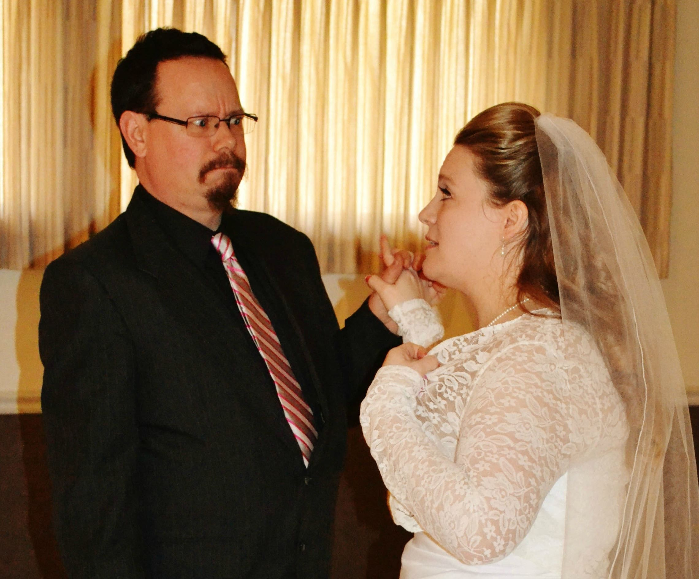 12 Brave Married Couples Share Their Beyond-Hilarious Wedding Fails