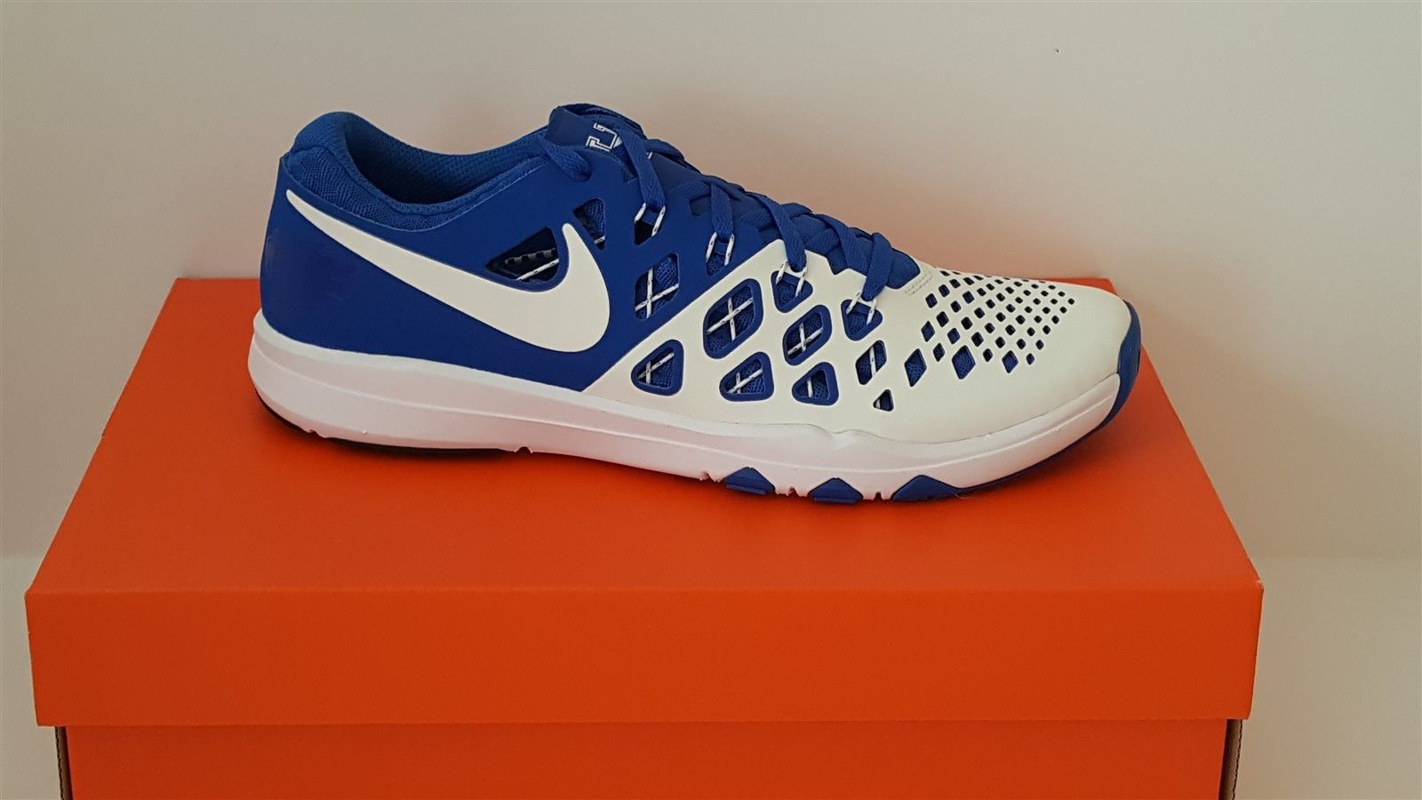 c6c86af4f1a3 Nike Train Speed 4 AMP Mens Running Shoes 844102 411 UK Kentucky Wildcats