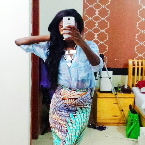 @valenelontanga in @vlisco skirt made with fabric from Bloom collection