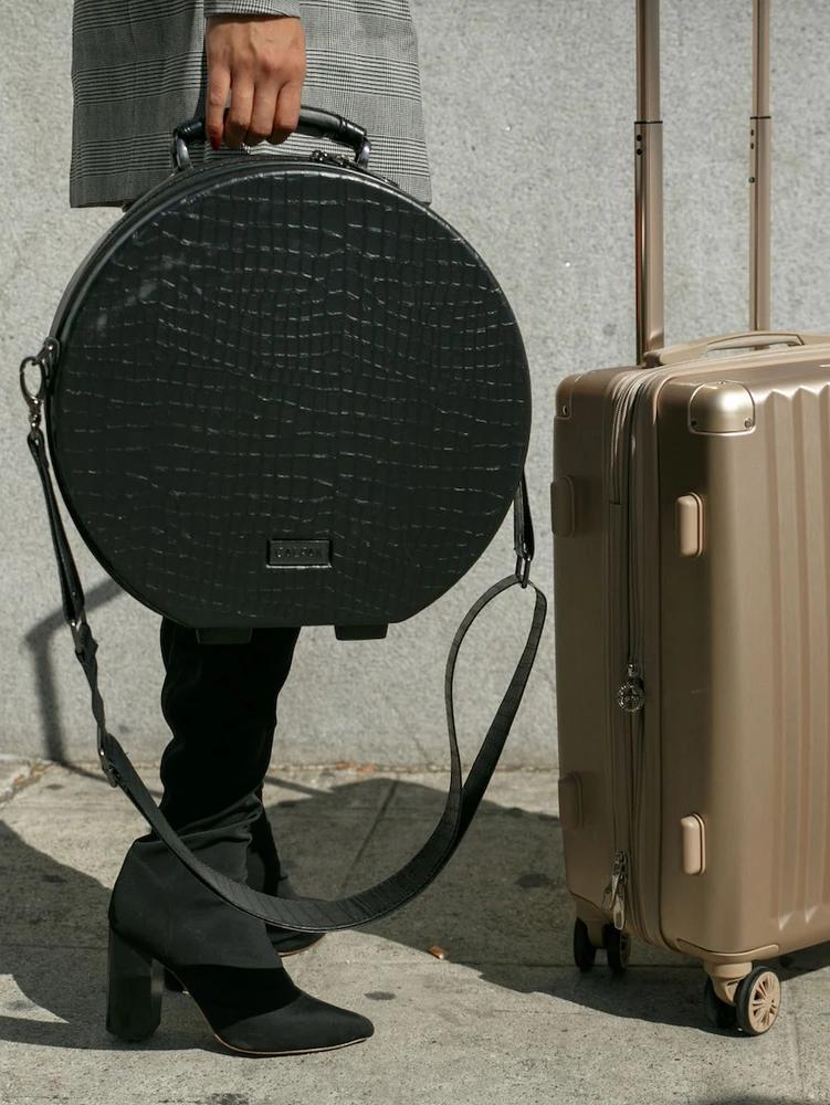 Pin By Julie Sartori On Grecheskaya Mifologiya In 2021 Hat Box Black Suitcase Hard Sided Luggage