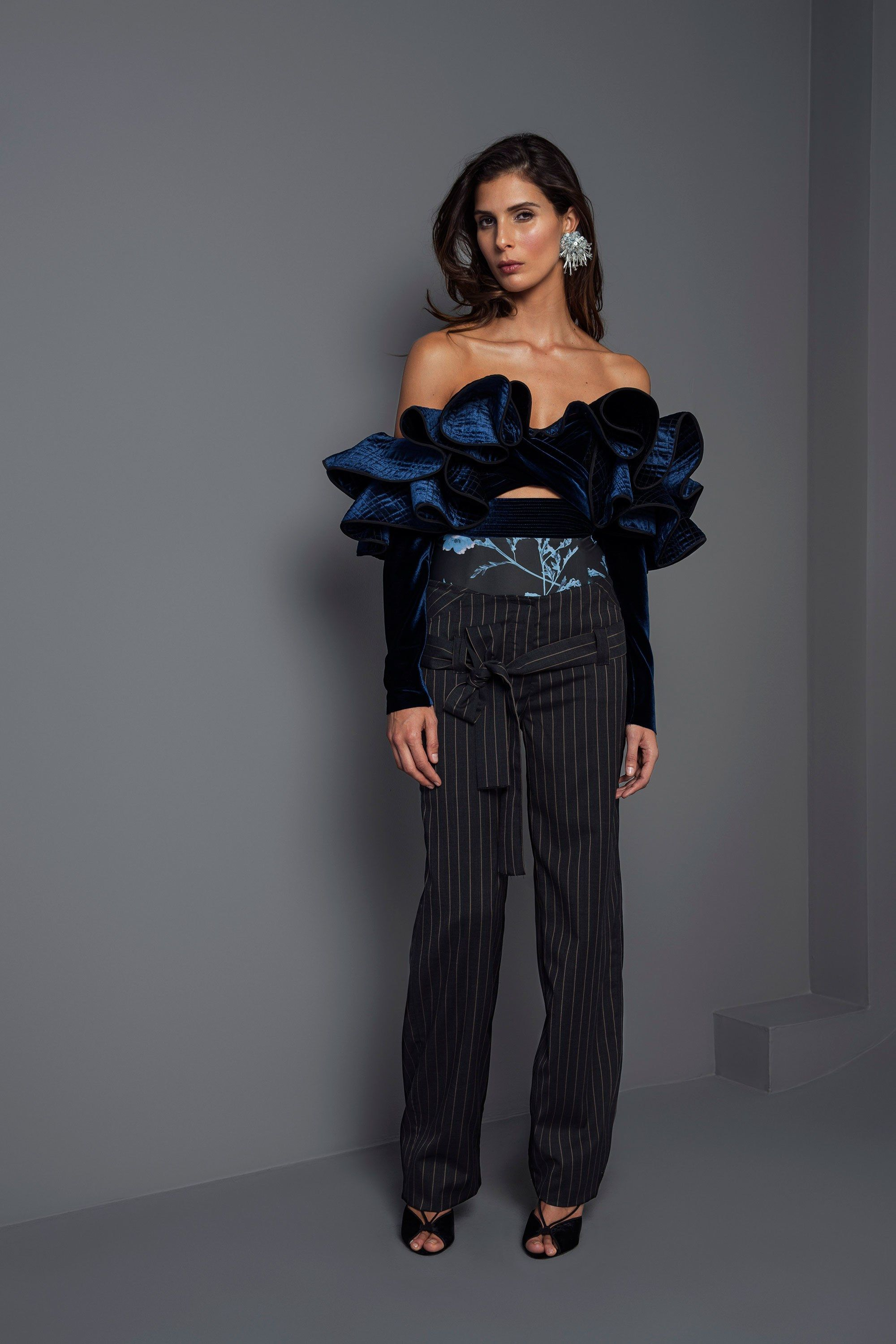 See the complete Johanna Ortiz Fall 2017 Ready-to-Wear collection.