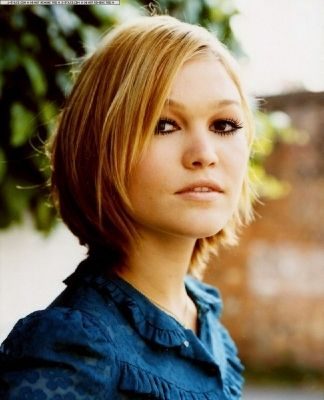Julia Stiles Short Hair : julia, stiles, short, Julia, Stiles, Photo:, Short, Styles,, Straight, Blonde