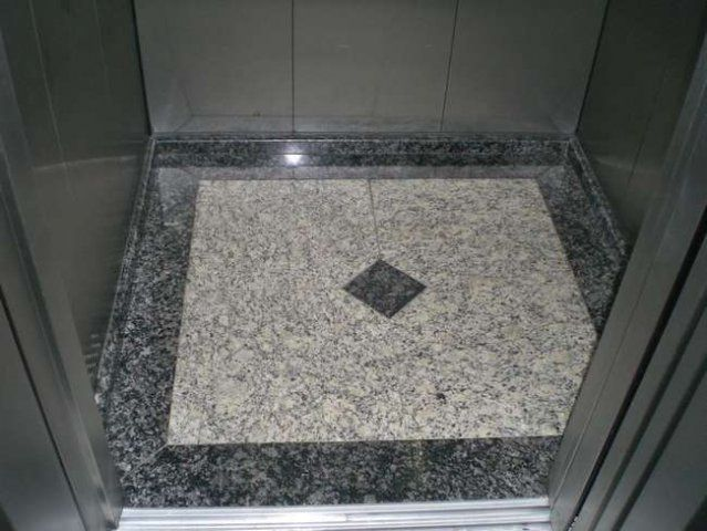 Piso de elevador em granito arabesco e rodeio pisos for Pisos de granito