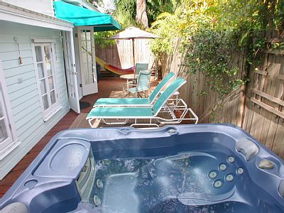 Vrbo Com 6429 Seashell Cottage 1 Block To Duval Street Parking Key West Vacation Rental Homeaway