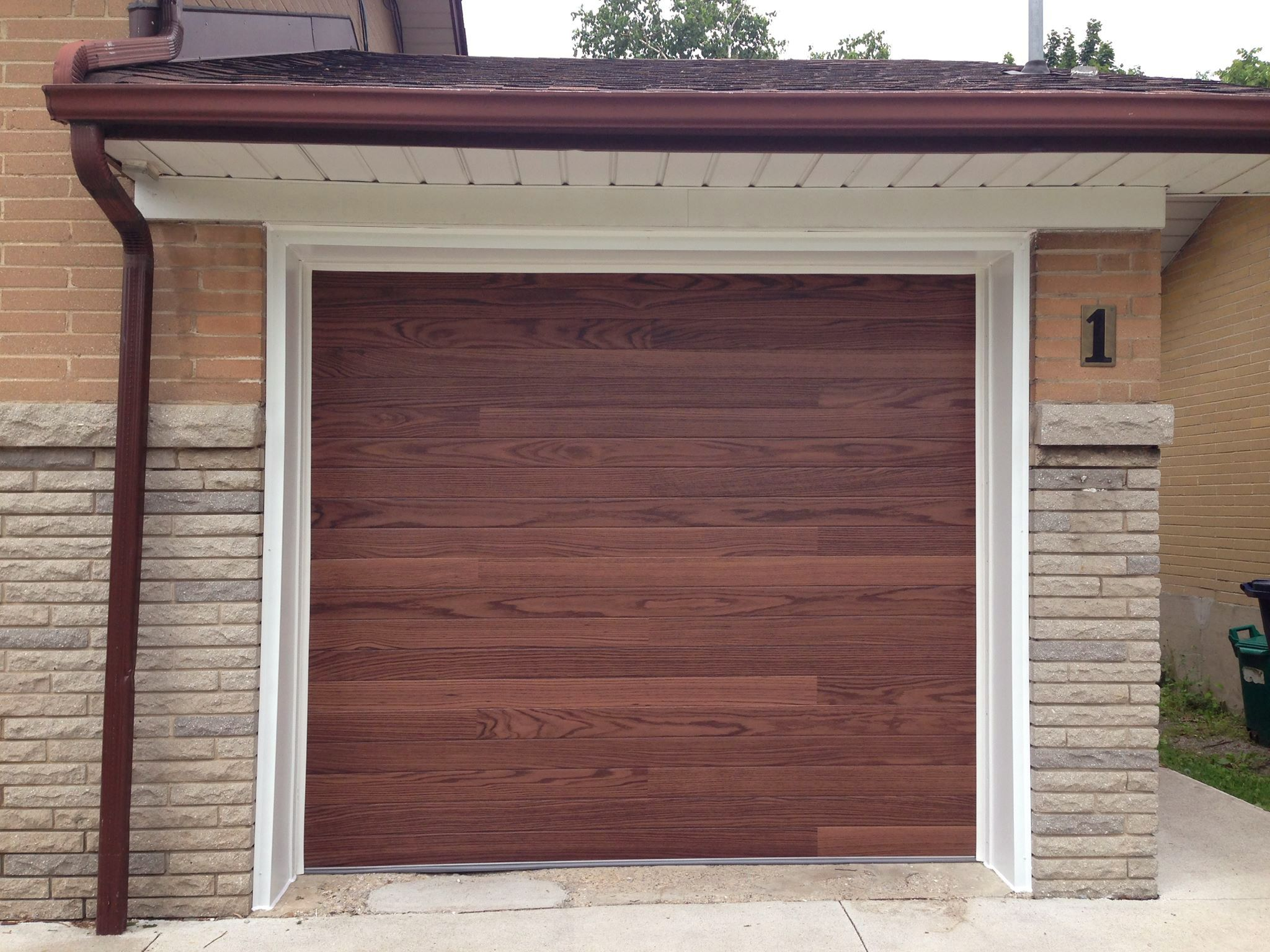 C.H.I. Overhead Doors Accents Planks, Model 3216 In Dark Oak. Www.chiohd.