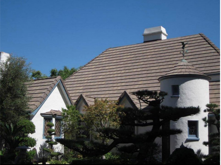 Concrete Light Weight Tile This House Had Wood Shake Shingles That Were Replaced By Boral Light Weight Concerete Ti Wood Shakes Concrete Light House Styles